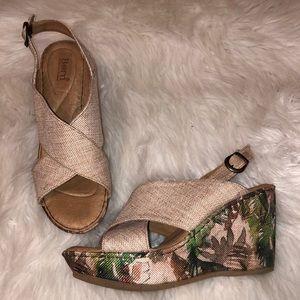 NWOT Born Linen Cross Sandals with Palm Wedgea
